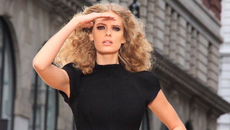 JULIA STEGNER: Maybelline NY Colossal Mascara TV - 'Making of' Video | MODTV