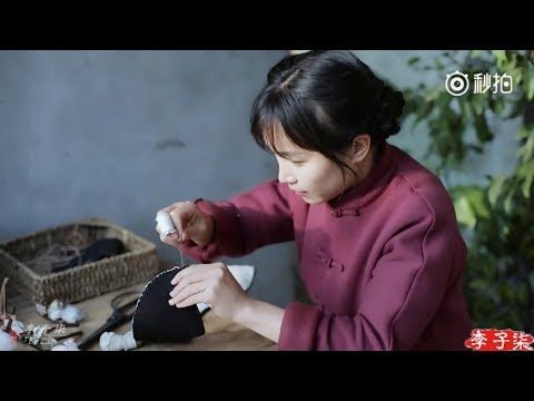 How to make Chinese Traditional Cloth Shoes? (Engsub)   Li Ziqi 李子柒