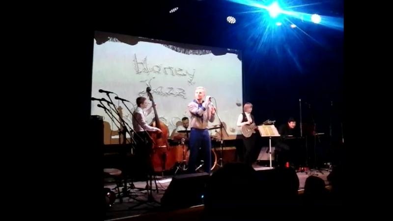 Honey Jazz Choir п/р Людмилы Ханиной и инструментальный квартет под управлением пианиста Антона Красненкера 10 декабря 2017