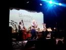 Honey Jazz Choir п р Людмилы Ханиной и инструментальный квартет под управлением пианиста Антона Красненкера 10 декабря 2017
