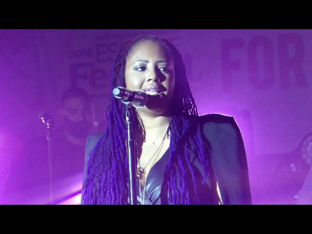 Lalah Hathaway ad libs scats hits HARMONY NOTES BY HERSELF@ Essencefest 2016