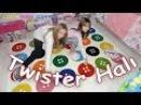 Twister Halı Aldık ve Onun Üzerinde Twister Oynadık - Eğlenceli Çocuk Videosu - Funny Kids Videos