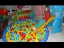 Top Havuzu ve Kaydırak - Eğlenceli Çocuk Videosu - Ocean Ball Pit Pool - Slide - Funny Kids Videos