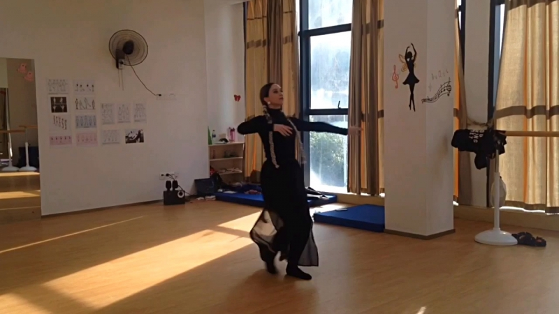 Ачарули. Грузинский танец.