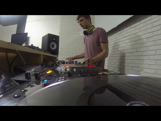 Dj RedCraft practise in Pioneer dj School Moscow