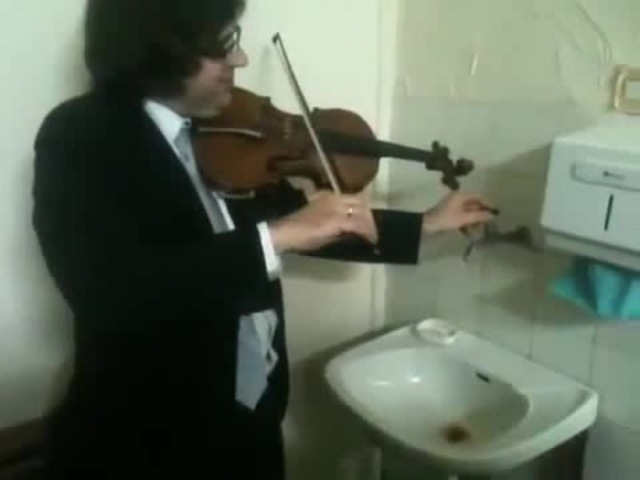 Triple concerto for faucet, water pipes and fiddle... · coub, коуб