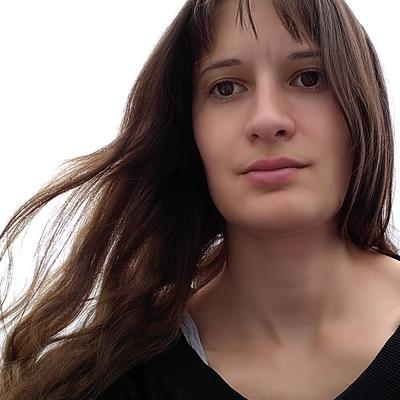 Анна Лукас
