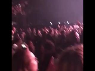 One Last Time на концерте Шона Мендеса