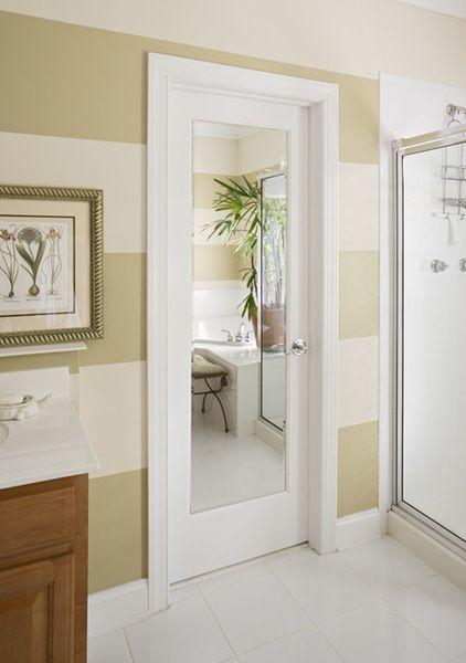 входные двери с зеркалом белый