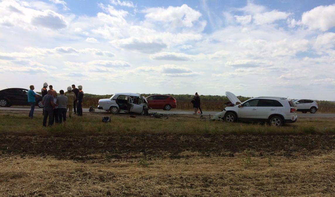 Под Таганрогом в серьезной аварии погибли два человека