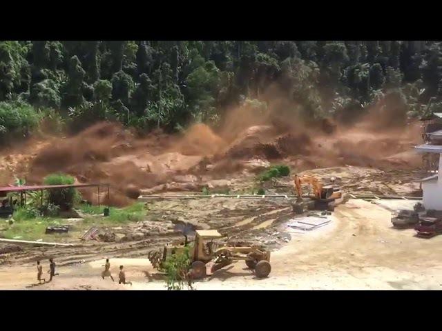 Фильм-катастрофа наяву: в Лаосе водный поток разрушил дамбу