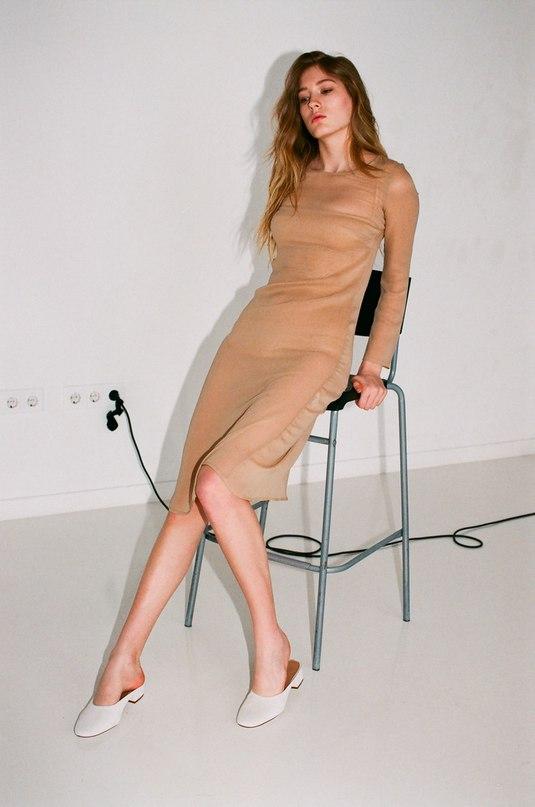 Платье Base Range https://moxstore.com/collections/new/products/shankar-dress