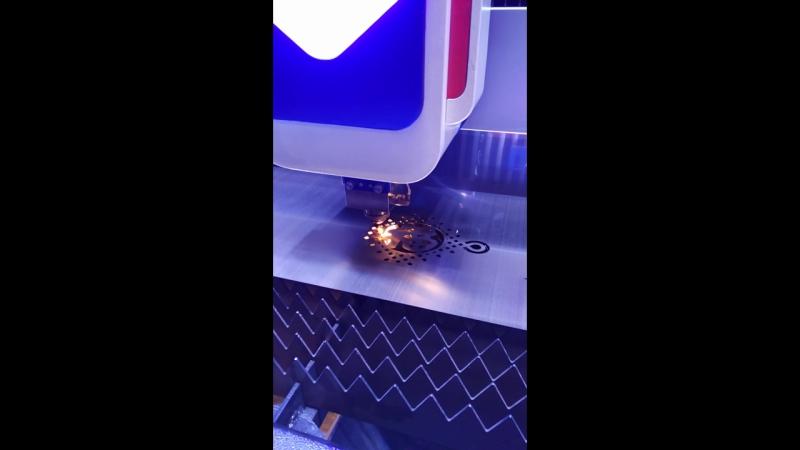 Оптиковолоконный лазерный станок LF3015LИттербиевый волоконный лазер :Raycus/IPG (1500*3000мм)