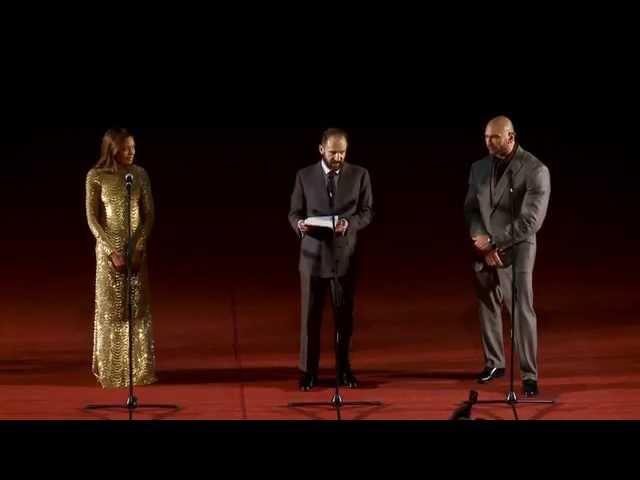Рэйф Файнс говорит по-русски С ЛЮБОВЬЮ | На премьере 007: СПЕКТР