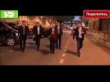 Охрана Путина: Стоим на месте!Путин возложил цветы у станции метро в Петербурге https://youtu.be/EMQbzKwWz38 #Путин_Видео_Планеты #Путин