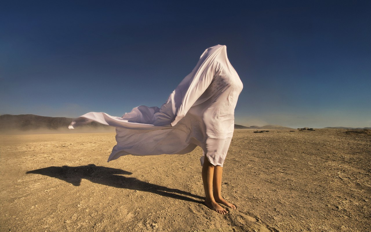 Фото девушки в пустыне фото 128-146