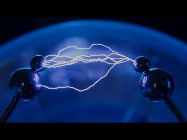 Максвелл и уравнения электромагнетизма (рассказывает Андрейс Цеберс)