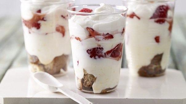 Творожный десерт с клубникой и кофе 250 гр