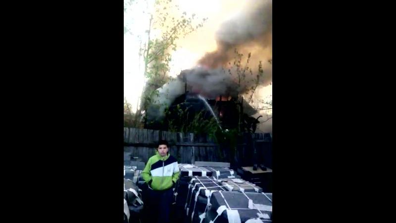 Сгорел бомж-отель на Хабаровской ул. в Парголово