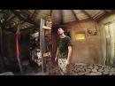 Парень из Мозыря уехал в глушь, чтобы строить дома из дров и глины