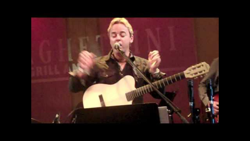 Steve Oliver Performs Ain't No Sunshine Live at the Namm Jamm at Spaghettinis