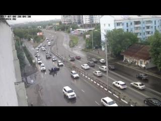 В Красноярске ищут автоледи, сбившую девушку на пешеходном переходе