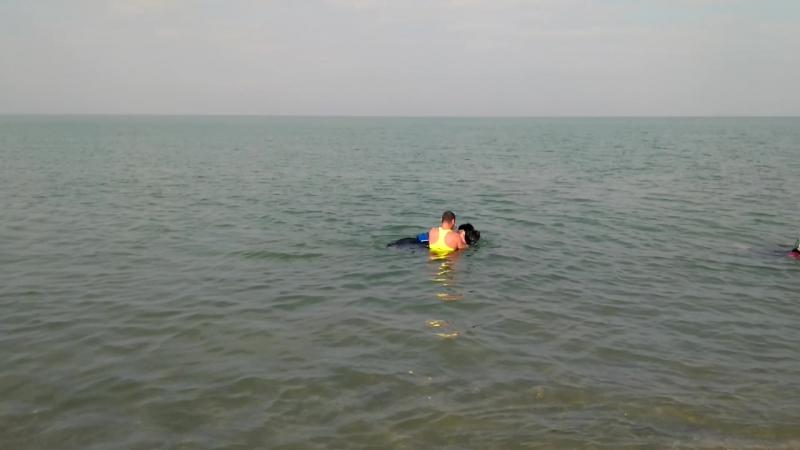 Тренировка на воде. Гран-При актёру второго плана на заднем плане с криком Помогите