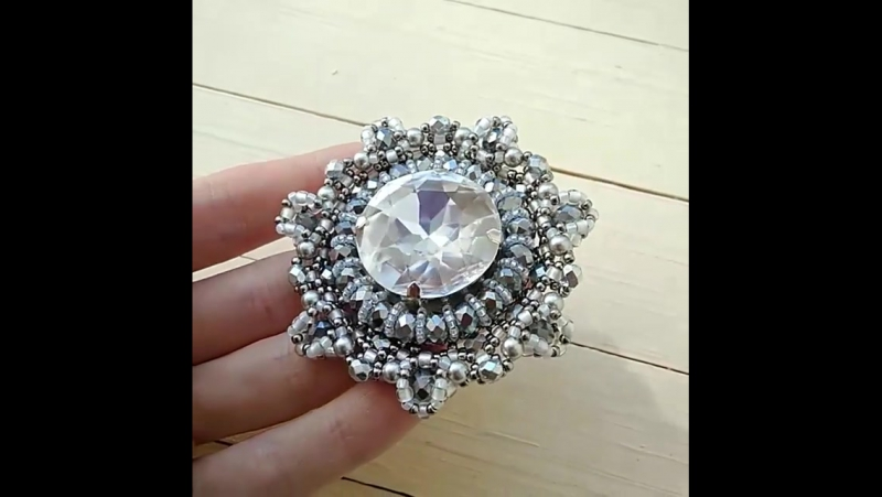 ✨Наплелось 😊 Все блестит и переливается ✴️✴️✴️ 💎Роскошный кристалл Сваровски в сочетании с чешскими бусинами и японским бисером.