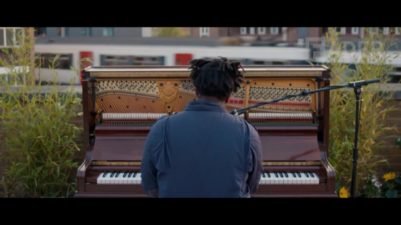 Sampha - Plastic 100°C (Live Performance)