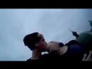Деруга целуется с парнем