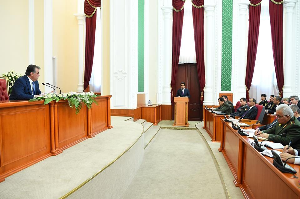 Президент назвал самые коррумпированные отрасли Таджикистана