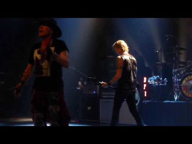 Guns N' Roses - Yesterdays (Apollo Theater) Harlem,Ny 7.20.17 (HQ Audio)