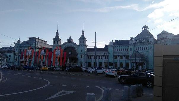 Белорусский вокзал в преддверии 9 мая поближе.