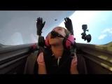 Отец летает с дочерью на самолёте