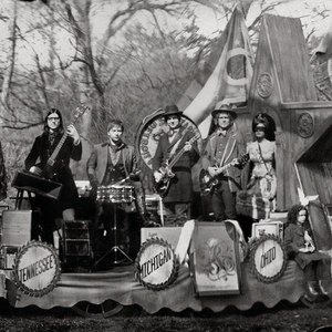 The Raconteurs альбом Consolers of the Lonely