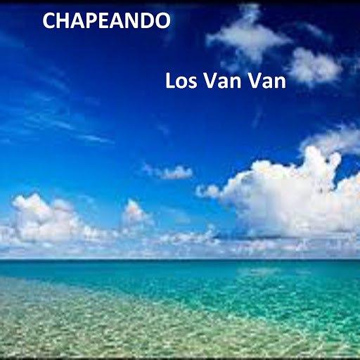 Los Van Van альбом Chapeando