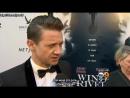 """Jeremy Renner, Elizabeth Olsen Walk The Red Carpet For """"Wind River"""" (рус. суб.)"""
