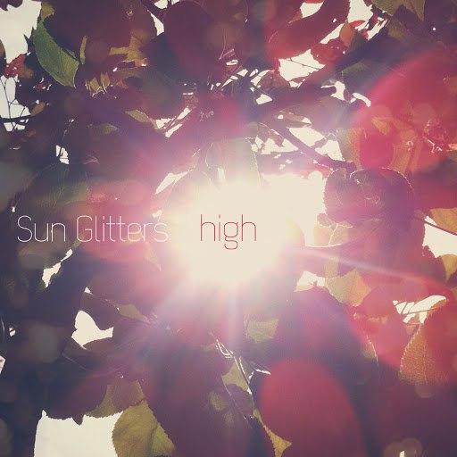 Sun Glitters альбом High EP
