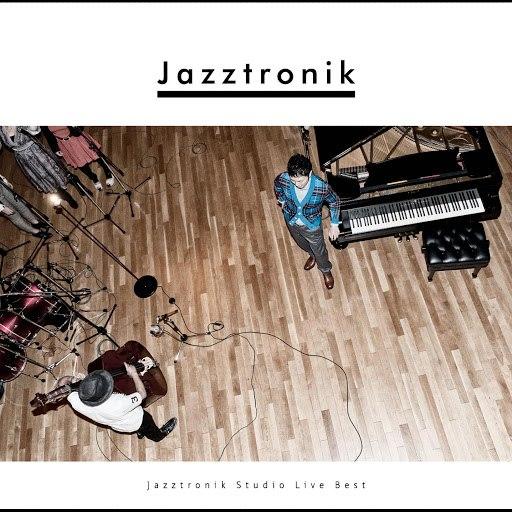 Jazztronik альбом Jazztronik Studio Live Best