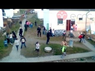 Полиция в гостях у цыган. Словакия.