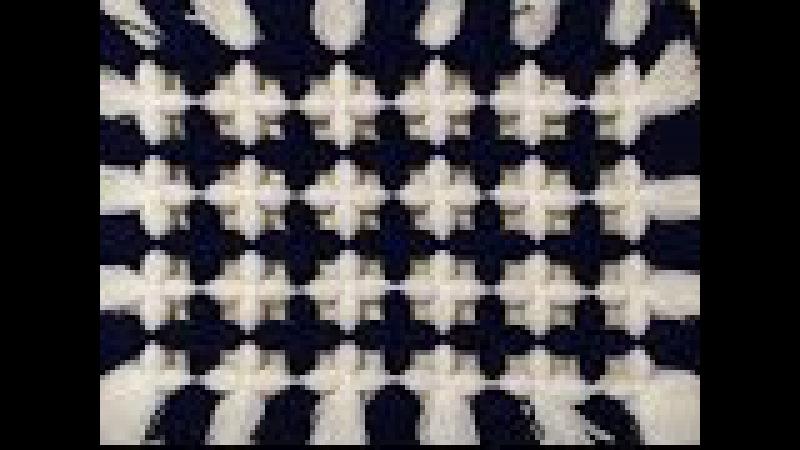 Pom pom blanket. Make tis stunning two color blanket