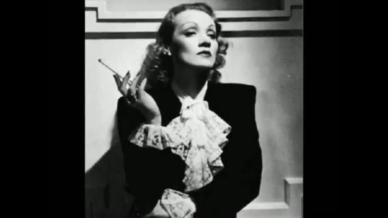 Marlene Dietrich - Dejeuner du Matin