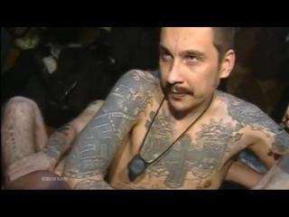 Жириновский играет в карты заключёнными Бутырской тюрьмы