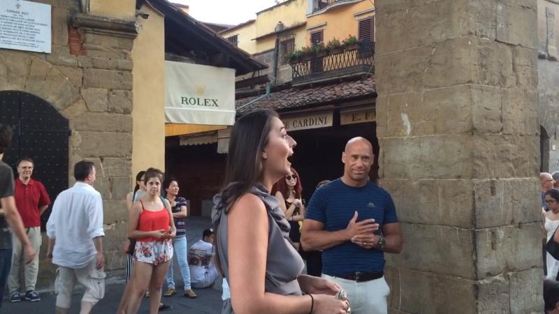 VERSUS оперных певиц. Ponte Vecchio. Флоренция