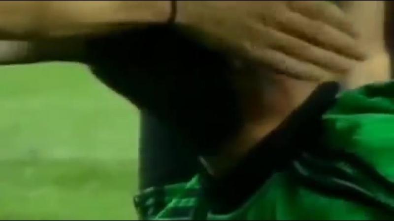 Barcelona vs Real Madrid 0-2 - UCL 2001-2002 (1st Leg) - Full Highlights.mp4