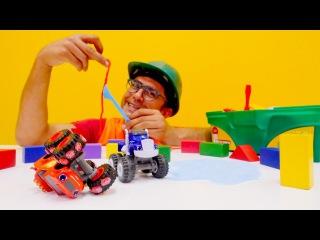 Tam Tam Usta! BLAZE ve yol canavarları oyuncak yarışı! CRUSHER tuzak kurdu! Araba oyunu. Oyun hamuru