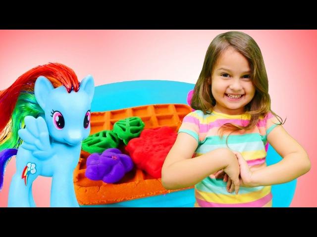 Play Doh Dondurma dükkanı açıyoruz 🦄🍦 My Little Pony aç ağlıyor Waffle oyunu Eğitici etkinlik