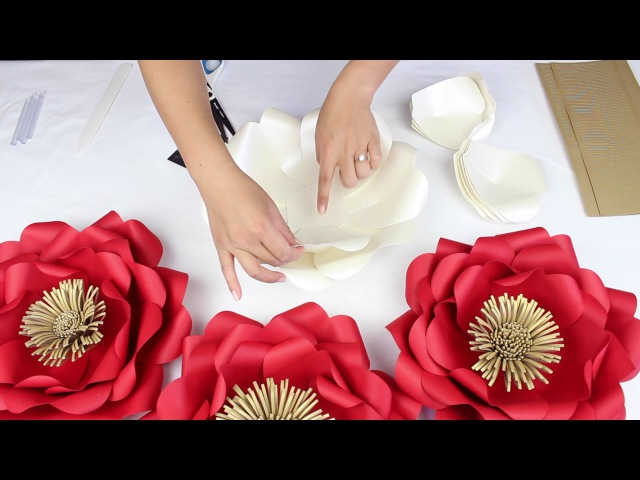 DIY Paper Tiffany Flower Tutorial - My Wedding Flower Backdrop