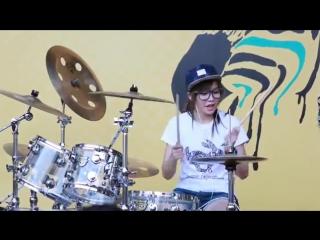 S. White. SEXY LOVE. Барабанщица-виртуоз из Тайваня