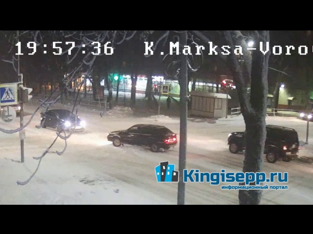 ВОТ ЭТО МАНЕВР! Видео момента ДТП у полиции с веб-камеры. KINGISEPP.RU